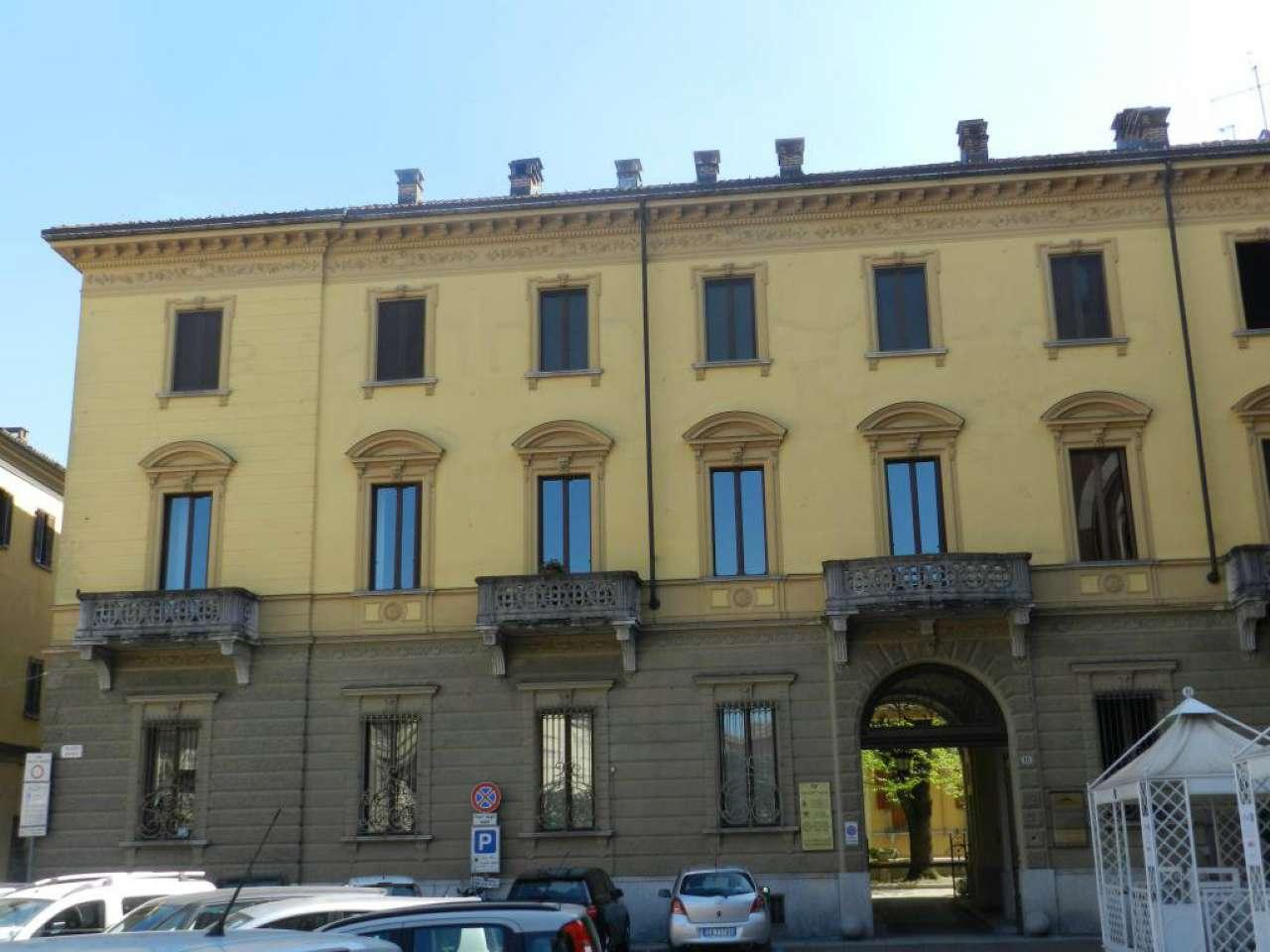 Appartamento - Piazza Roma , Asti