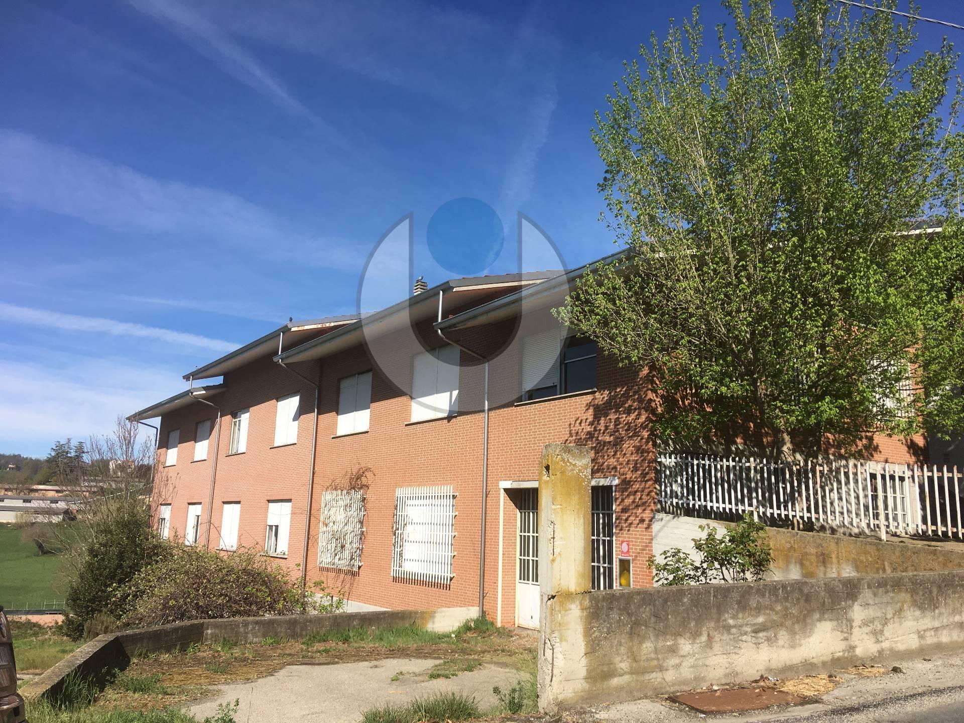 Struttura Commerciale - Montechiaro d'Asti , Regione Chiusura