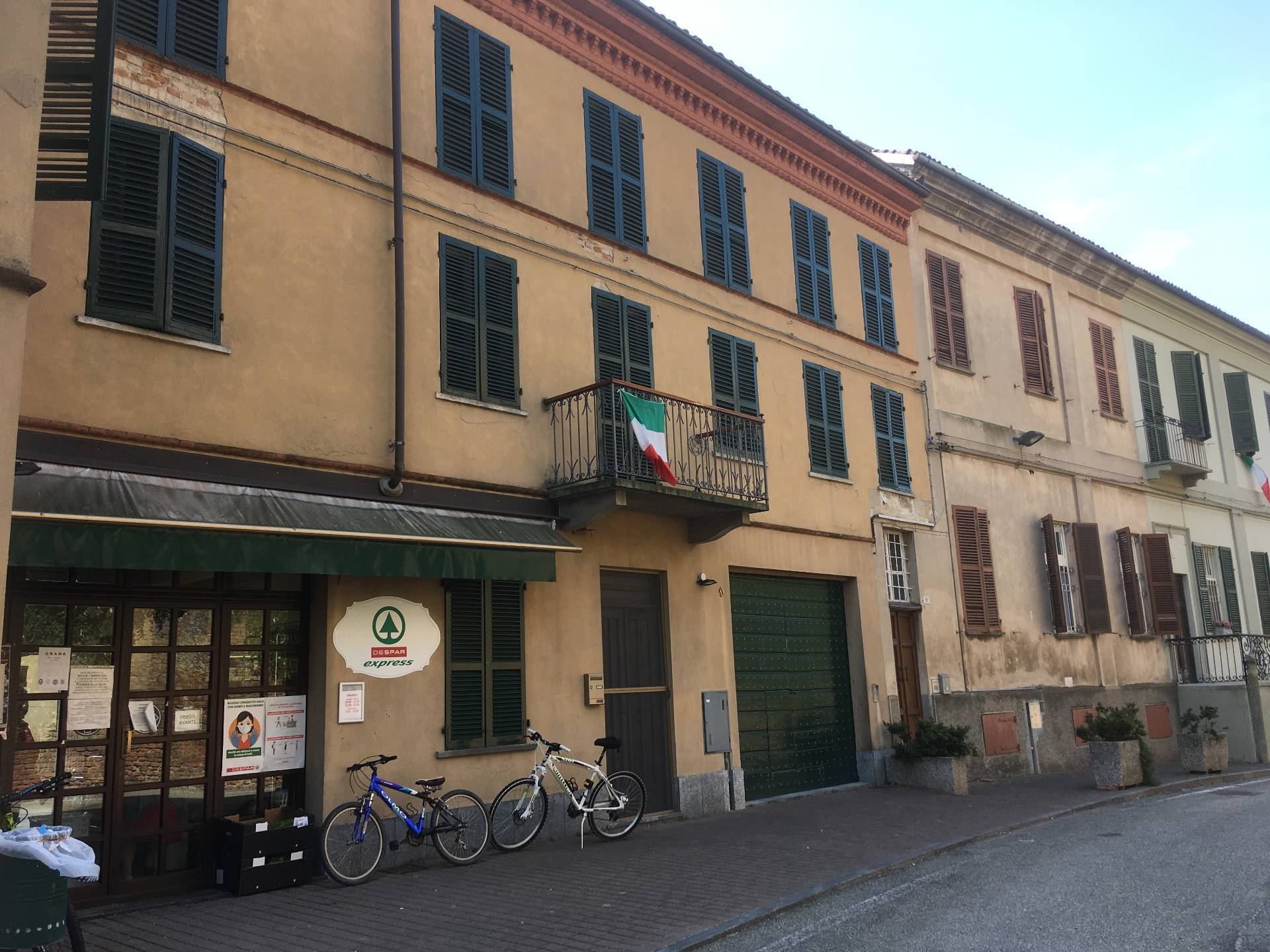 Grana, Corso Garibaldi