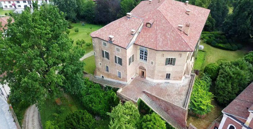 Castello - Roatto, Piazza Piemonte